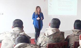 Mehmetçiğe Bilinçli Medya Kullanımı Eğitimi
