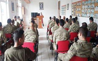 Askerlere yönelik kadına şiddet semineri