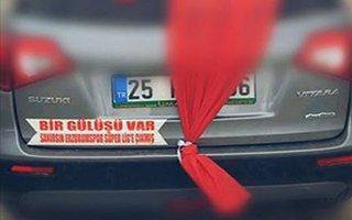 Gelin arabasının arkasındaki yazı gerçek oldu