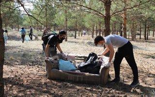 Atatürk Üniversitesi temizlik hareketine katıldı