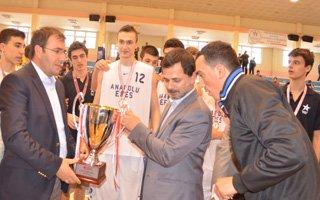 Anadolu Efes Erzurum'da şampiyon oldu