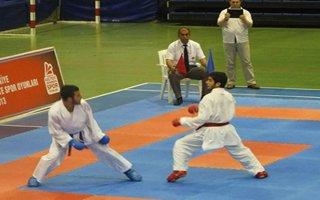 BESYO'lu karateciler 11 madalya ile döndü