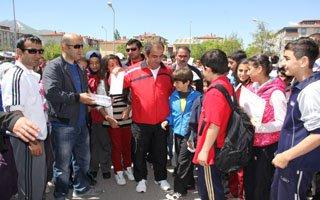 Erzurum'da Olimpik Gün yürüyüşü