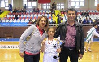 Yolspor'un kızları potanın şampiyonu