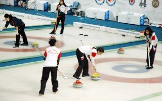 Curling 1. Lig Maçları Erzurum'da başladı