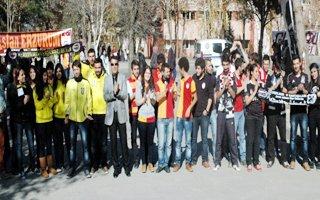 Atatürk Üniversitesinde taraftar kardeşliği!