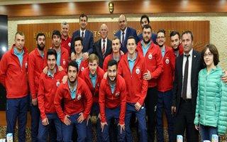 Şampiyonlar'dan Başkan Sekmen'e Ziyaret