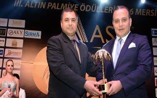 Ali Demirhan Ödülünü Aldı