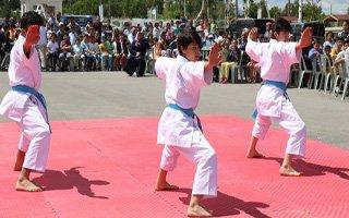 Büyükşehir Belediyesi Yaz Spor Okulları Açıldı