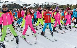 7 yılda yılda 3 bin 500 çocuk kayak öğrendi