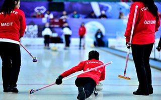 Türkiye'nin Curlingdeki ilk zaferi