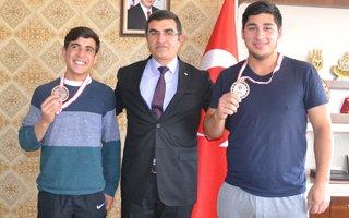 Şampiyon çocuklar Erzurum'un gururu oldu
