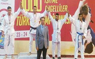 Erkan Esenboğa'dan olimpiyatta çifte altın