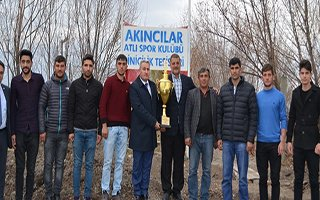 Türkiye Şampiyonu ciritçilere tatlı kutlama