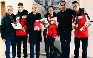 EYOF Fatihi Furkan çiçeklerle karşılandı