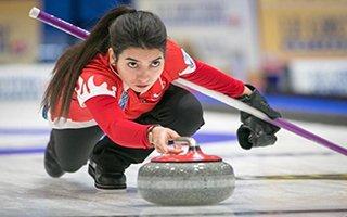 Curlingçiler Polonya'dan zaferle dönüyor