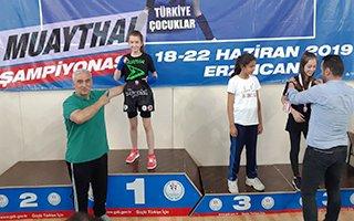 Olur'lu Elvin 40 kiloda Türkiye Şampiyonu