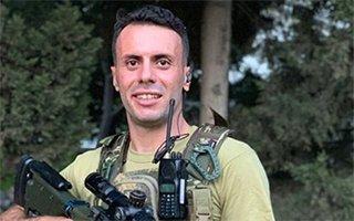 Lokman Gör'den Silahlı Asker Pozu