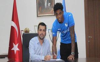 Erzurumspor'da Ricardo Gomez imzayı attı