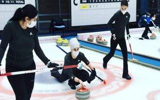 Curling'te kupalar sahiplerini buldu