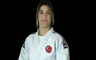 Milli sporcu Zeynep Çelik'ten bronz madalya