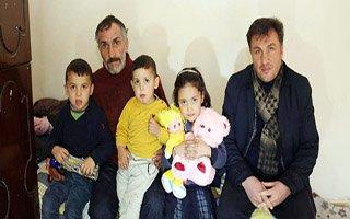 Çocuklarına bakan babaya iş adamından ev sözü