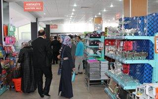 Düzgün Market yeni şubesiyle Yıldızkent'te