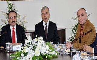 Saim Özakalın 'İZDES' toplantısına katıldı