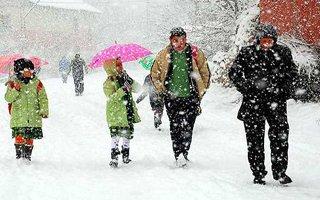 Erzurum'da okullara kar tatili uzatıldı