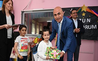 """""""Çocukların karne hediyesi Ali Korkut'tan"""""""
