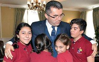 Vali Memiş başarılı öğrencileri kabul etti