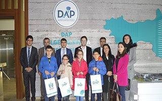 Minik öğrenciler DAP'tan kütüphane istedi