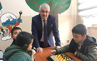 Başkan Dölekli eğitime desteğini sürdürüyor...