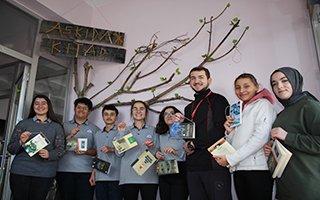 Erzurum'da ''Askıda Kitap Var'' Projesi