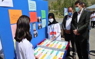Ortaokul öğrencileri projelerini sergiledi