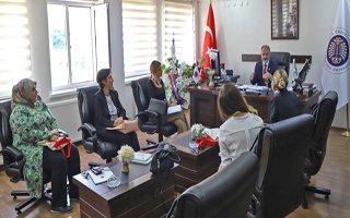 Atatürk Üniversitesi'ne iyilik için sanat ziyareti
