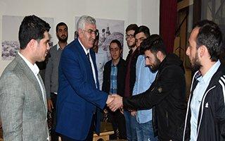 AK Gençlik, gençleri yakın markaja aldı...
