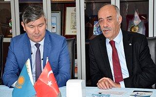 Kazak Büyükelçiden ETSO'ya ziyaret