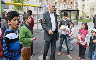 Başkan Korkut, çocukların ilgi odağında...