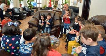 Anaokulu çocukları Korkut'u yılın başkanı seçti