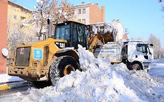 Palandöken Belediyesi'nden kar mesaisi