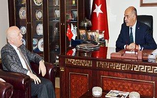 Başkan Sekmen'den Yücelik'e Tebrik Ziyareti