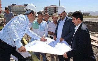 Başkan Orhan ilçedeki yatırımları inceledi