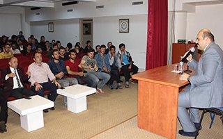 Başkan Orhan gençlerin söyleşi konuğu oldu