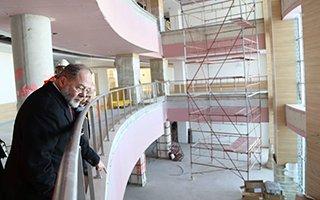 Akdağ şehir hastanesini inceledi