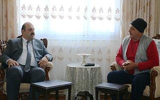 Başkan Orhan'dan hastalara moral desteği