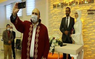Aziziye'de pandemi sonrası ilk nikah