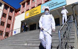 Yakutiye belediyesi YKS öncesi okulları dezenfekte etti