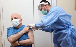 Başkan Sekmen korona virüs aşısı oldu