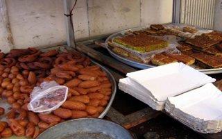 Sokakta satılan gıdalara dikkat